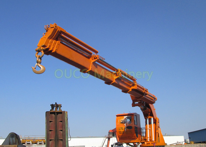Knuckle Boom Pedestal Jib Crane AC 440V 60HZ Space Saving Less Installation Area