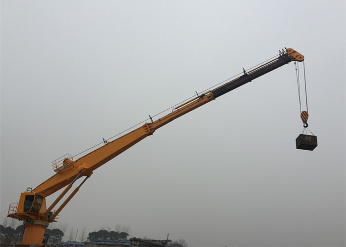 Marine Pedestal Ship Crane with Heavy Duty, Easy Maintenance, Overload Protection