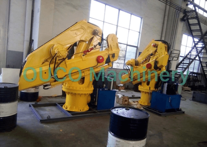 Folding Knuckle Telescopic Flexible Boom Marine Deck Crane In Yellow Lifting Cargoes